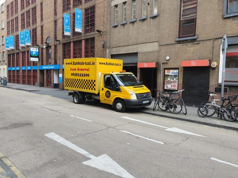 Rubbish removal Dublin service done by Rubbish Taxi